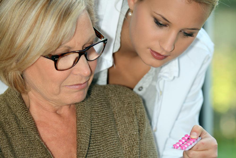 Behandlungspflege Bild: AdobeStock/auremar